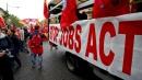 Fiom proclama lo sciopero generale: a novembre 8 ore di stop contro Jobs Act