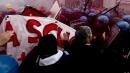 Sciopero sociale, proteste da Nord a Sud  Blitz al Colosseo, in dieci su impalcature