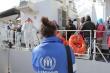 Barcone si capovolge, nove morti <br> In 4 giorni salvati 7mila immigrati