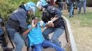 """Ventimiglia, sgomberati migranti al confine Alfano: """"Scena è un pugno in faccia all'Ue"""""""