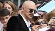 James Franco senza capelli trasforma il red carpet di Venezia in...