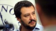 Salvini a Cagliari, antifascisti in piazza: tensione con polizia
