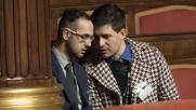 """Unioni civili, Giovanardi denuncia: """"Baci gay in Senato"""""""