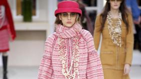 Il prêt-à-porter di Chanel tra perle,...