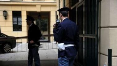 Milano, 42enne strangola e uccide la fidanzata: arrestato