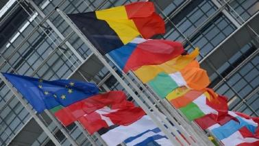 Tlc, via ai negoziati sul roaming e sulla net neutrality in Europa
