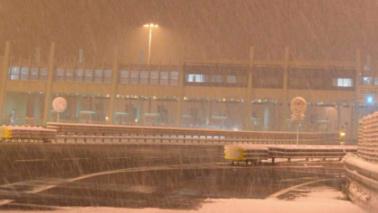Maltempo, neve su A3: 200 veicoli bloccati per ore