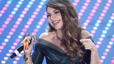 Festival di Sanremo, l'Ariston canta in coro la canzone dei Puffi con Cristina D'Avena