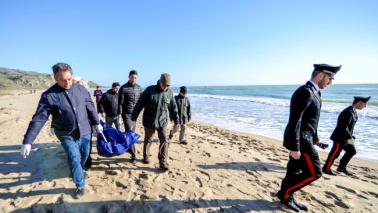 Migranti, nuova tragedia: morti sulle coste della Sicilia