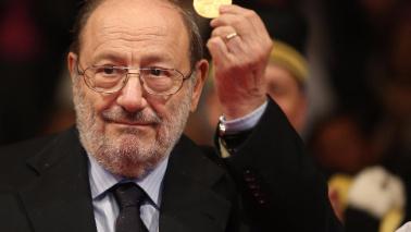 """Addio a Umberto Eco: morto il padre de """"Il nome della rosa"""""""