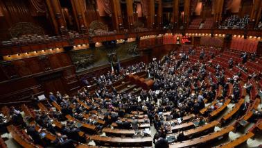 Redditi: è Galletti il più ricco del governo, ultima la Boschi