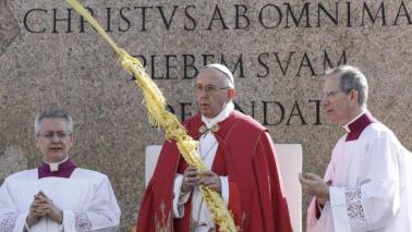 Migranti, Papa: assumersi responsabilità del loro destino