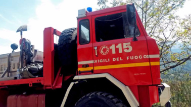 Roma, voragine tra due palazzi: famiglie evacuate