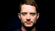 Elijah Wood torna in tv, nel cast di una serie dark comedy