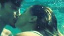 Belen e Stefano De Martino, show a luci rosse sott'acqua a Capri