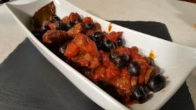 Rosticciana in umido con le olive