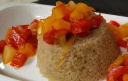 Piramidi di quinoa con fantasia di verdure