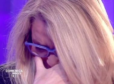 Mara Venier piange in tv dopo un videomessaggio della Ferilli