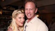 """Beverly Hills 90210"", mini reunion tra Tori Spelling e Ian..."