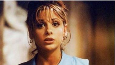 """Sarah Michelle Gellar celebra i 19 anni di """"Buffy"""""""