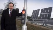Francia, arriva il primo semaforo a energia solare