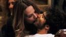 Marco Bocci e Laura Chiatti, baci e coccole nella movida romana