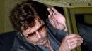 Brad Pitt sfoggia la fede sul set