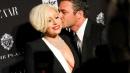 Lady Gaga, scollatura al bacio con Taylor