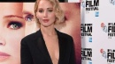 Jennifer Lawrence, look sexy in passerella
