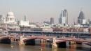 Londra, il ponte solare più grande al mondo fornisce energia alla stazione