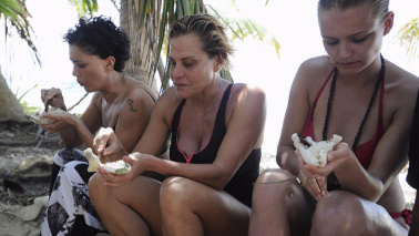 Isola dei Famosi, la fame mette in crisi i naufraghi