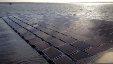 Londra, l'energia arriverà da un parco solare galleggiante