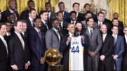 "I Warriors da Obama FOTO""Presidente, gioca con noi?"""