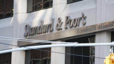 """Standard & Poor's: """"Rischio spirale deflazione in Italia"""""""