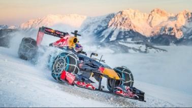 Verstappen, show sulla neve austriaca con la sua RB7