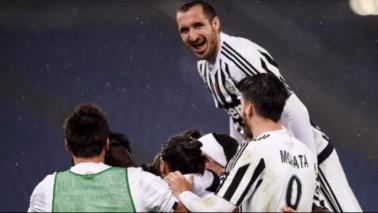 La Juve vola in semifinaleLichtsteiner beffa la Lazio