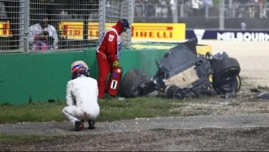 F1, incidente shock per Alonso a Melbourne: illeso