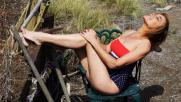 Lory Del Santo contadina sexy
