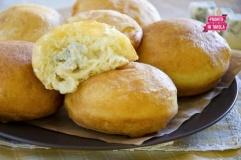 Bomboloni salati al formaggio