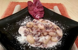 Gnocchi di patate al gorgonzola e radicchio