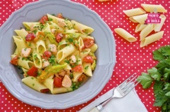 Pasta con salmone e fiori di zucca