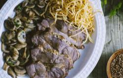Tagliata di cinta senese con funghi e patate