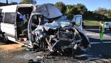 Schianto sull'A1 nel Lazio: sei morti, bimba tra le vittime
