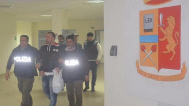 Taranto, spari in strada: morto un pregiudicato, 2 fermi