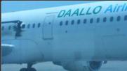 Mogadiscio, esplosione in volo Pilota italiano evita strage