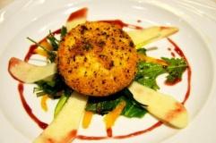 Tomino piemontese a caglio vegetale in crosta dorata di tartufo nero