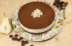 Cheesecake alle pere e cioccolato