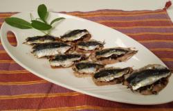 Sardine pinoli e olive