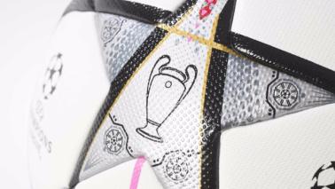 Champions, il nuovo palloneSarà usato a Milano FOTO
