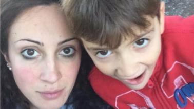 Uccide figlio e si spara: non voleva si legasse a padre